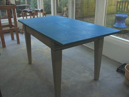 zelfgemaakte tafel